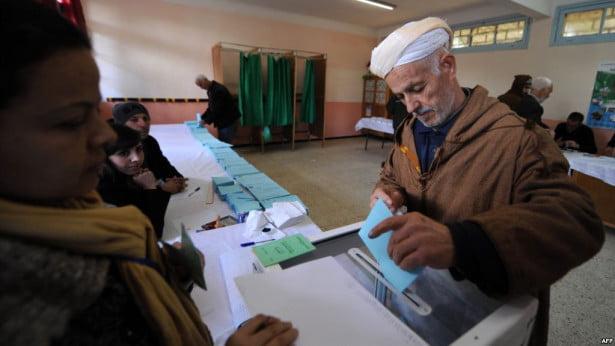 الأحزاب الجزائرية تندد بالتزوير الانتخابي على نطاق واسع