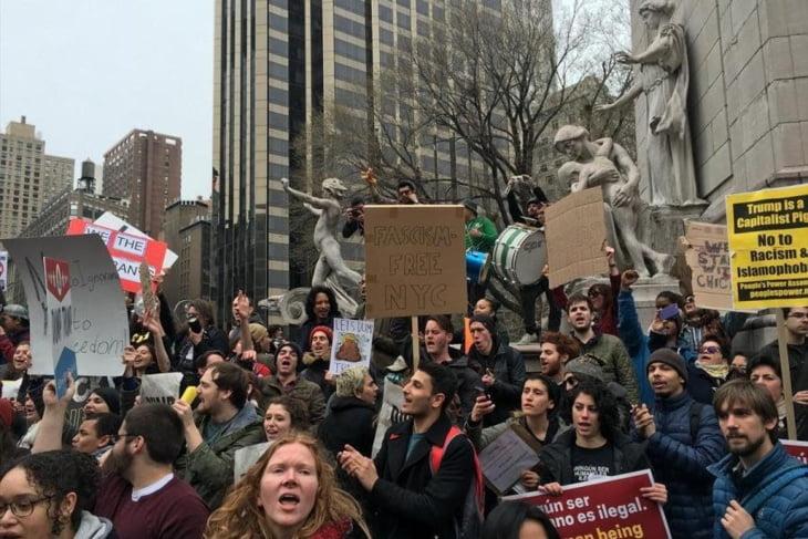 مظاهرة معادية للإسلام بكندا والسلطات توقف العشرات