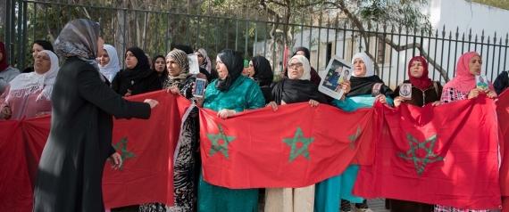 مغاربة غاضبون يطالبون الملك بالتدخل بعد إحتجاز أبنائهم في ليبيا
