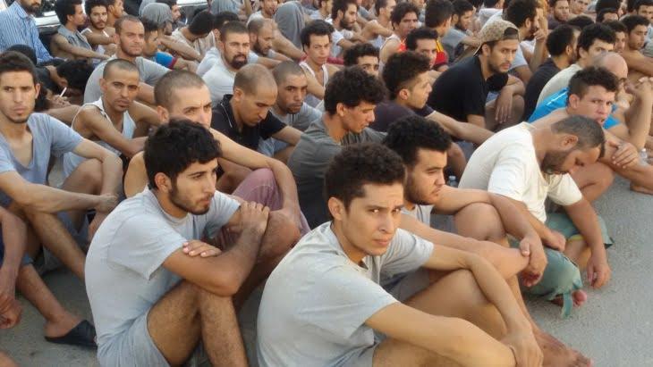 تعليمات ملكية تعجل بترحيل مئات المغاربة العالقين بليبيا