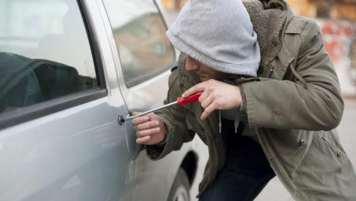 تفكيك عصابة إجرامية مختصة في سرقة السيارات وإعادة ترويجها وطنيا