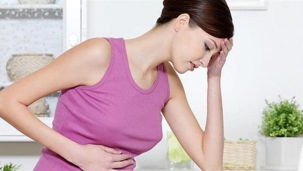 4 علامات تنذر بمشاكل خطيرة في الجهاز الهضمي