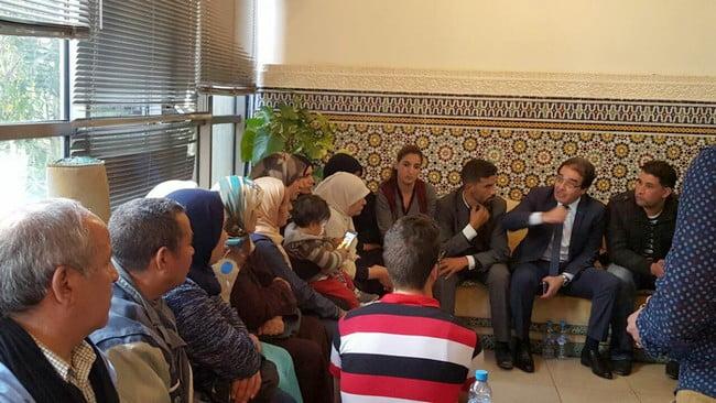 الوزير بنعتيق يستقبل عائلات المغاربة المحتجزين بليبيا + صور