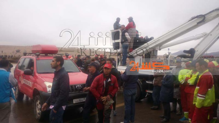 حصيلة ثقيلة لحادث انقلاب حافلة بتامنصورت ووالي جهة مراكش يلتحق بعين المكان + صور