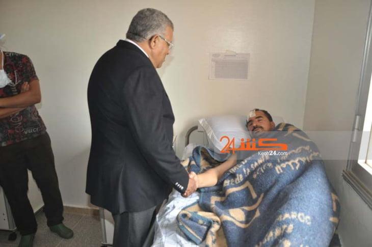 بالصور: والي جهة مراكش يزور مصابي حادث انقلاب حافلة بتامنصورت