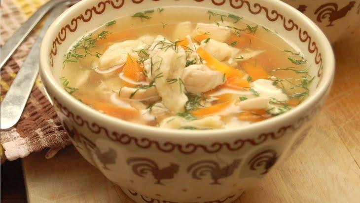 دراسة تكشف علاقة حساء الدجاج بمقاومة نزلات البرد