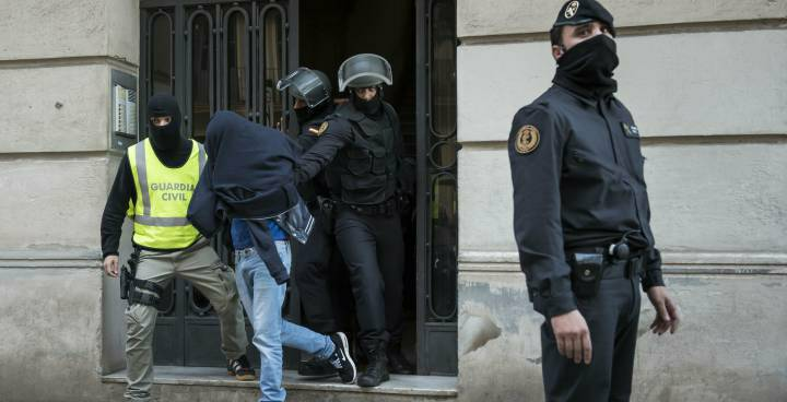 اعتقال مرتكب جريمة قتل ثلاثة أشخاص ضمنهم عنصران من قوات الحرس المدني الإسباني