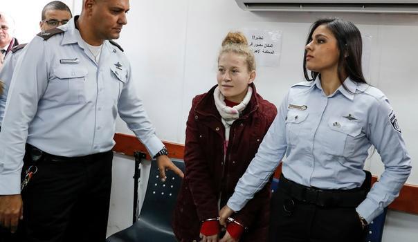 النيابة العامة الإسرائيلية توجه 12 تهمة للطفلة الفلسطينية عهد التميمي