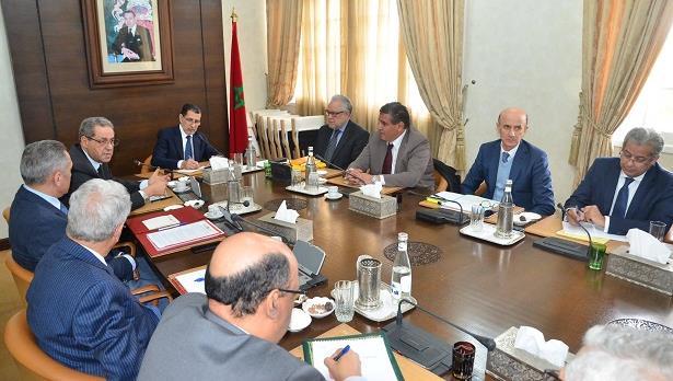 العثماني يؤكد ضرورة إعطاء المراكز الجهوية للإستثمار دفعة جديدة لمواكبة الجهوية الموسعة