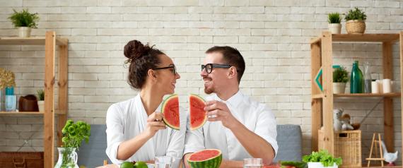 البطيخ بديلاً للفياغرا.. ولكن عند تناوله بطريقة غير متوقعة