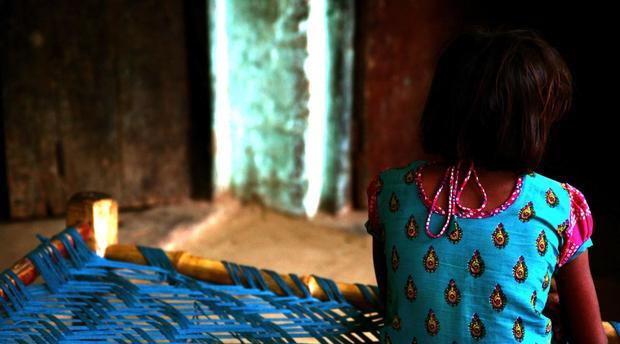 عناوين الصحف: تفاصيل اغتصاب بيدوفيل فرنسي لأربع طفلات وإغراق المغرب بأموال مزورة