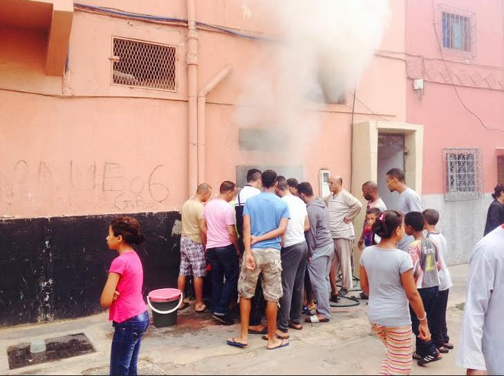 لي خاف نجا.. حريق بحمام شعبي يرغم النساء على الفرار وهن عاريات