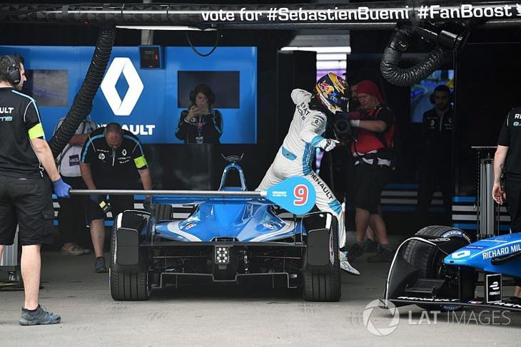الفورمولا إي تتخلّى في سباق مراكش عن الحدّ الزمني الأدنى لوقفات تغيير السيارات
