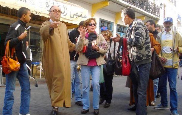 القانون المتعلق بتنظيم مهنة المرشد السياحي يغضب مهنيي القطاع