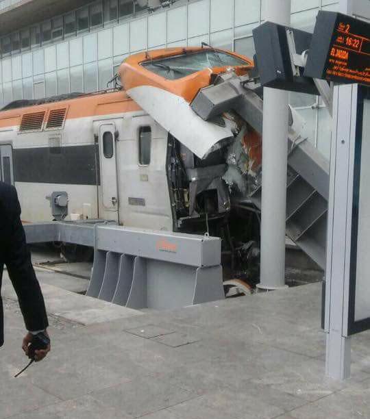اصطدام خطير للقطار بمحطة