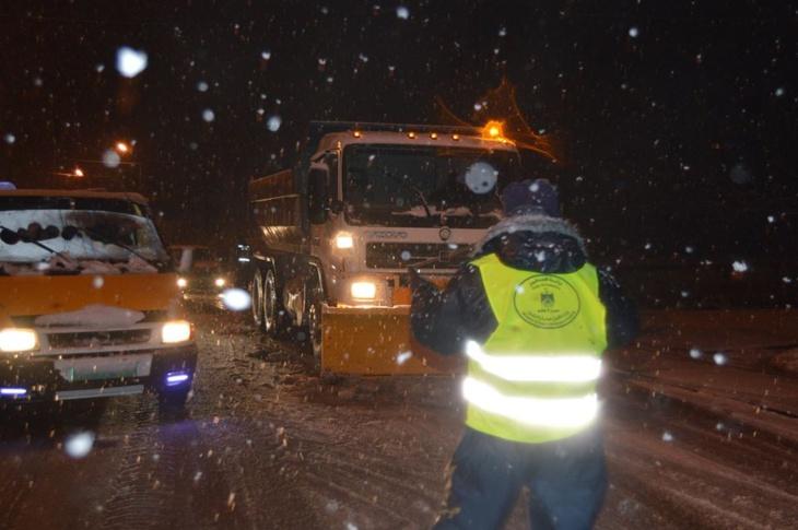 وزارة التجهيز تكشف حصيلة تدخلاتها لفتح الطرق المقطوعة بسبب الثلوج