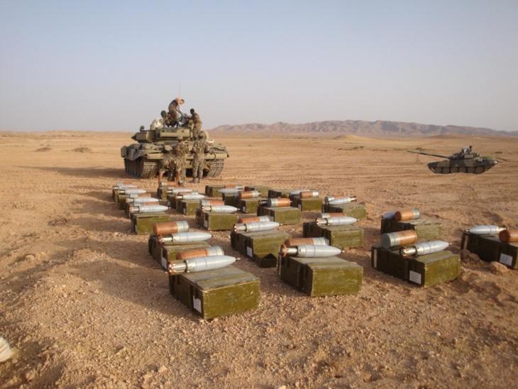 المغرب يرسل صواريخ و مدرعات و يحشد مئات الآليات العسكرية بالكركارات لردع البوليساريو