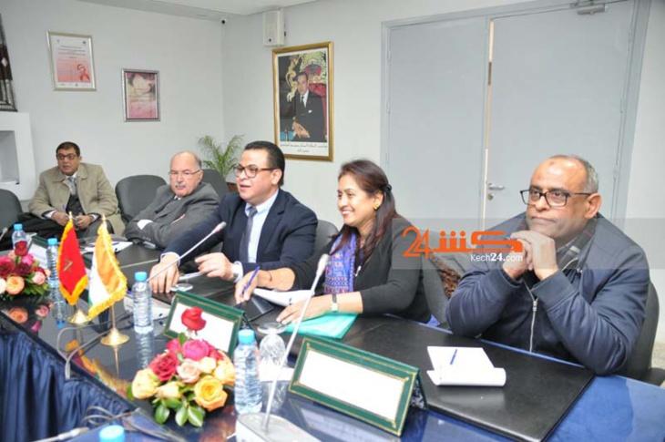 بالصور.. توقيع اتفاقية شراكة بين المركز الاستشفائي بمراكش ومعهد للدراسات الطبية بالهند