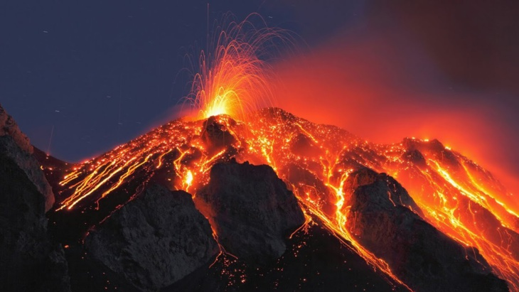 """الفلبين تحذر من ثوران بركان جبل """"مايون"""" قريبا"""