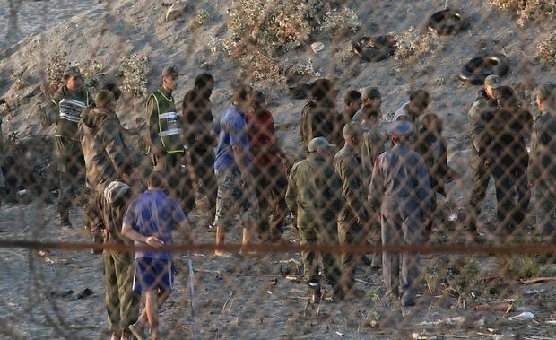 الأمن المغربي يتصدّى لمحاولة 200 مهاجر اقتحام سياج سبتة