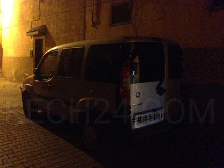 سيارة مريبة تحير السلطات والساكنة بالمدينة العتيقة لمراكش + صورة