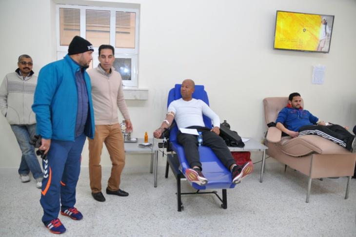 بالصور: الرابطة المغربية للصحافيين الرياضيين فرع مراكش تنظم حملة للتبرع بالدم