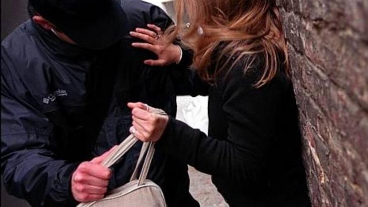 عاجل: فتاة تتعرض للسرقة على يد لصين كانا على متن دراجة سـ90 بمراكش