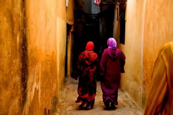 العنوسة وتأخر سن الزواج يلاحقان الشابات والشبان في مراكش