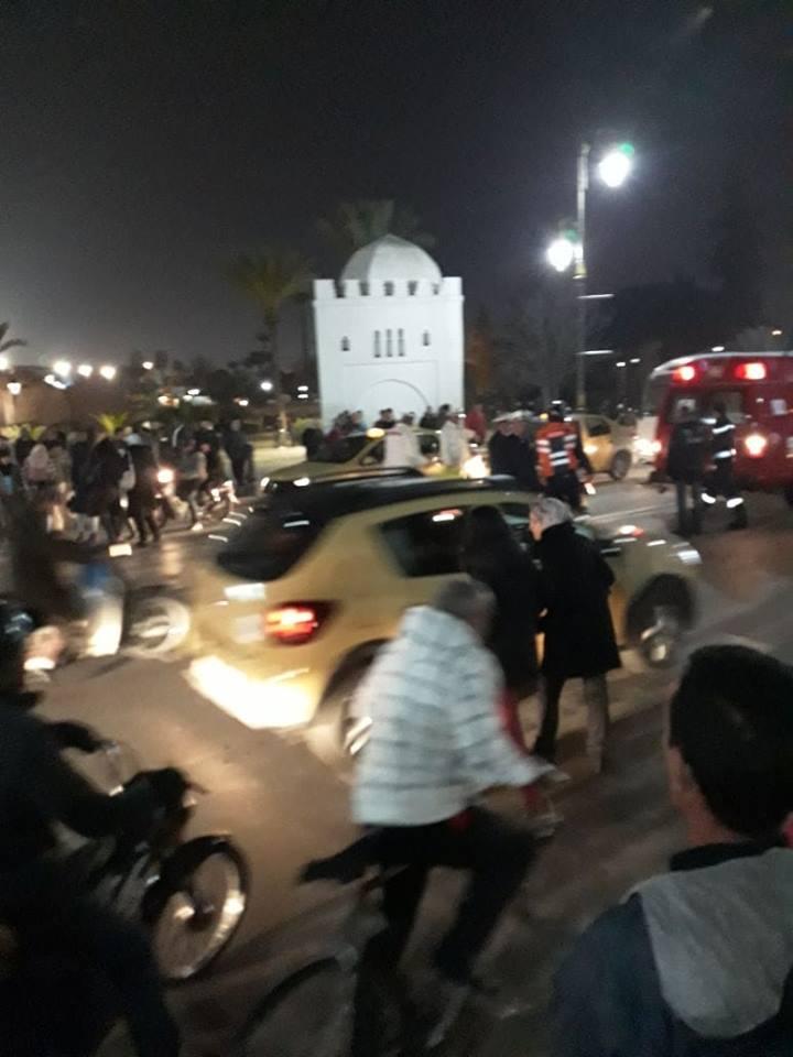 سائق دراجة نارية يدهس رجلا وزوجته وسط ممر الراجلين بمراكش + صورة