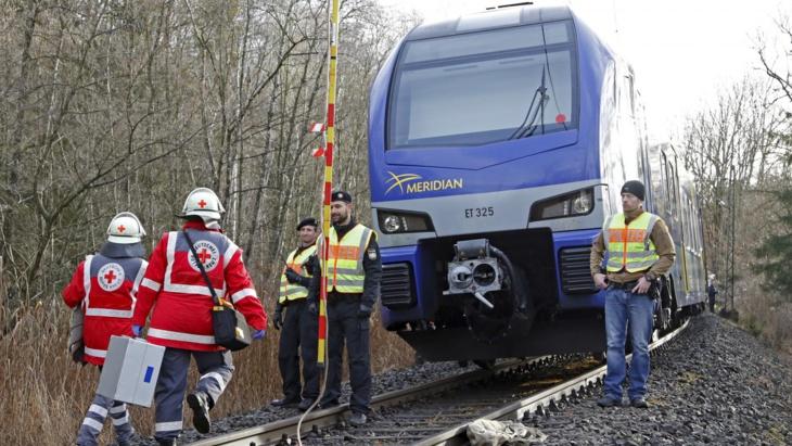 قطار يدهس مهاجر مغربي بالديار الإيطالية ويتسبب له في إعاقة مستديمة