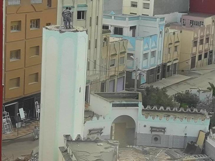 التوفيق يهدم المسجد الذي احتج فيه الزفزافي خلال حراك الريف