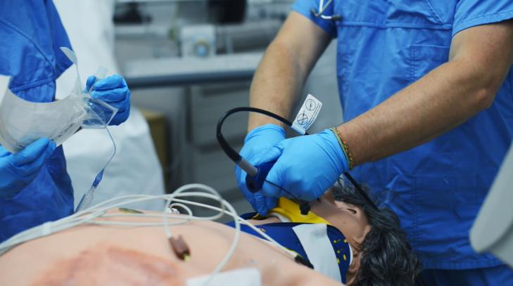 فريق طبي مغربي يشارك في مؤتمر