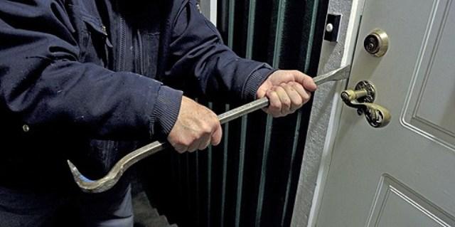 عصابة إجرامية مدججة بأسلحة بيضاء تسطو على محل تجاري بمراكش