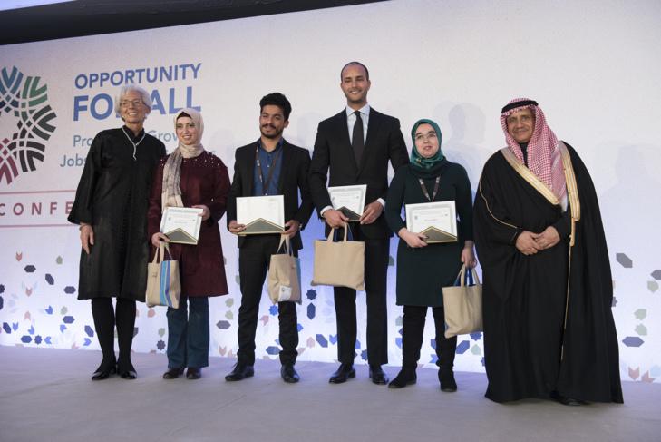 صندوقا النقد الدولي والعربي يكرمان المبدعين من الشباب العرب بمراكش