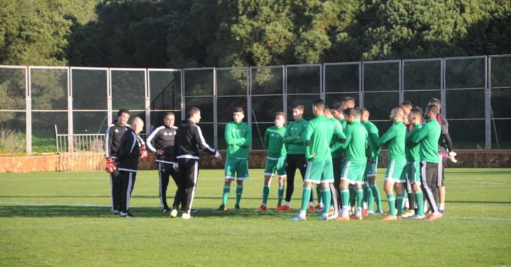 المنتخب الوطني للاعبين المحليين يواصل استعداداته لمباراة ليبيا