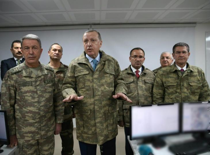 بسبب انتقادهم الهجوم على شمال سوريا.. تركيا تأمر باعتقال أطباء بارزين