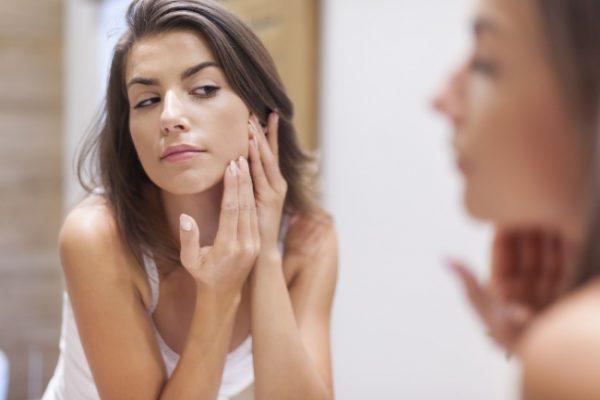 تخلصي من عادات سيئة تؤثر على مظهرك وجمالك