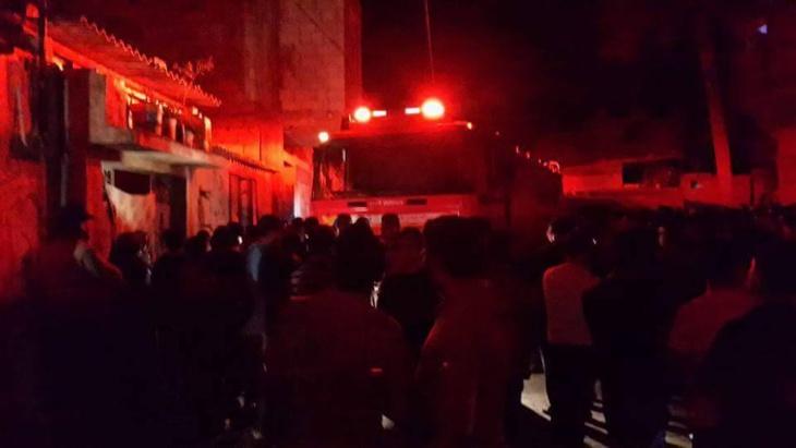 مصرع شخص واصابة اربعة اخرين من اسرة واحدة جراء حريق في منزلهم