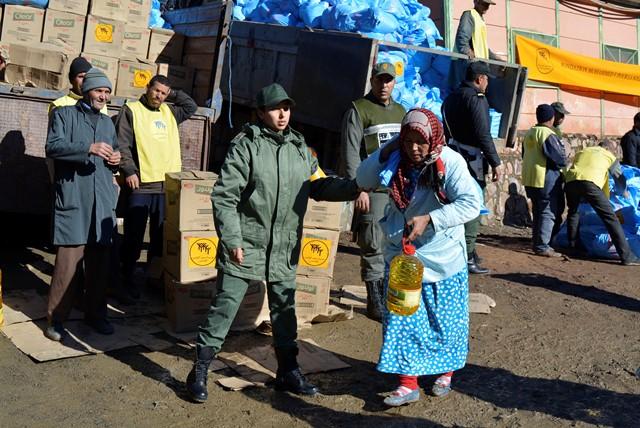الهلال الأحمر يخصص مساعدات لساكنة أقاليم متضررة من موجة البرد القارس