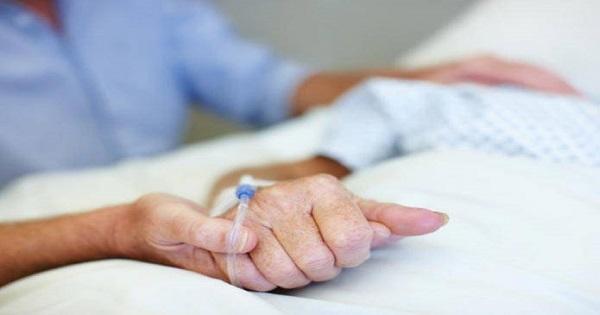 نداء انساني: امرأة سبعينية مريضة بمراكش في حاجة لفراش طبي وكرسي متحرك