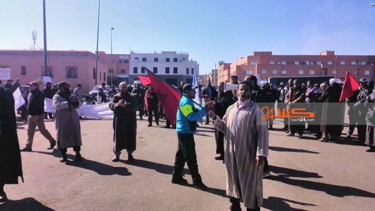 احتجاجات امام سوق الجملة بمراكش ضد التدبير المفوض للمرفق+ صور