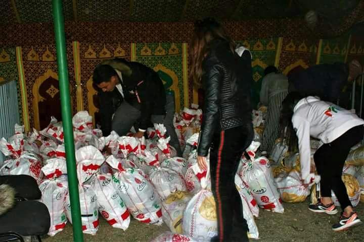 بالصور.. إستفادة 200 عائلة من ملابس وأغطية ومساعدات جمعويين من مراكش