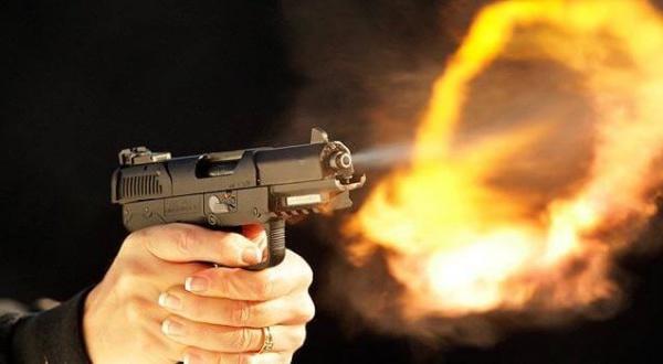 الأمن يطلق الرصاص على شخص عرض حياة المواطنين و الشرطة للخطر