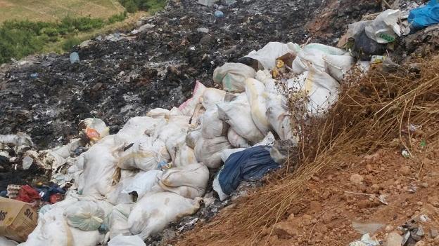 محاصرة شاحنات محملة بدجاج ميت موجه للأسواق