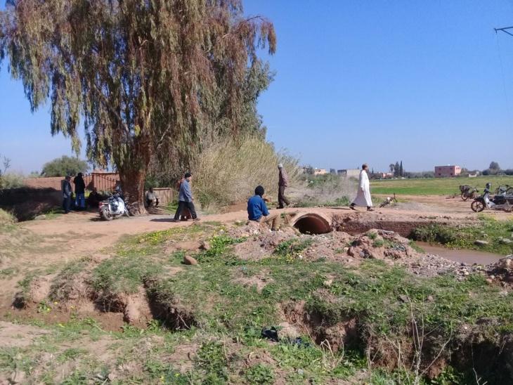 احتقان في أوساط مواطنين بسبب حفر آبار للواد الحار وسط أراضي زراعية نواحي مراكش