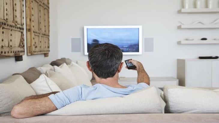 مشاهدة التلفزيون طويلا تضاعف خطر الإصابة بمرض قاتل