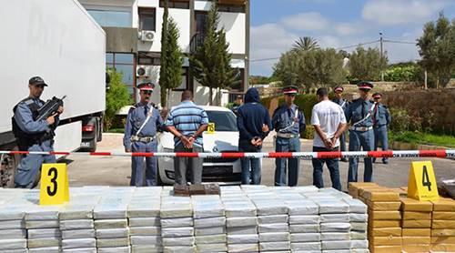 الدرك الملكي يحجز 1.34 طن من مخدر الشيرا بعد توقيف مهربين