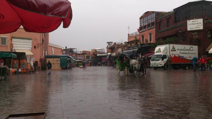 زخات مطرية عاصفية وهبوب رياح قوية الاثنين بمراكش وعدد من أقاليم المملكة