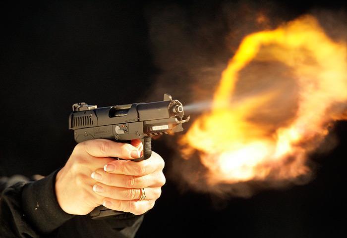 مقتل خمسة أشخاص في إطلاق نار خارج ملهى ليلي