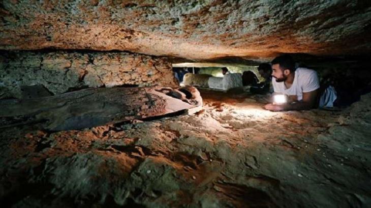 اكتشاف جديد لمقبرة قديمة وكنوز من مصر القديمة